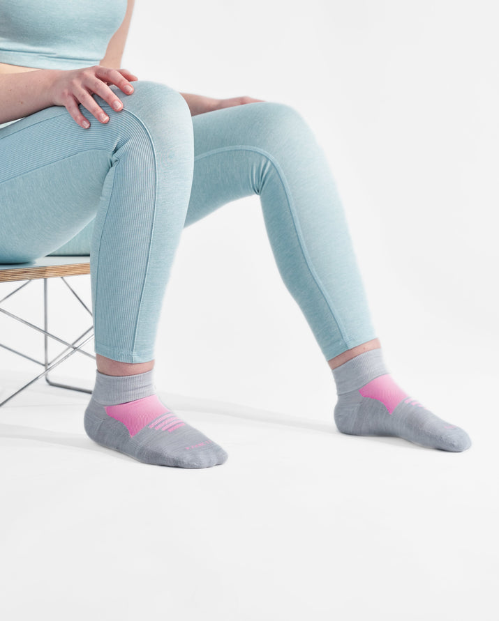 womens quarter sock in grey with pink style