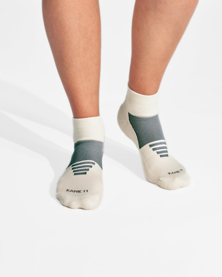 womens quarter sock in ivory with grey on feet