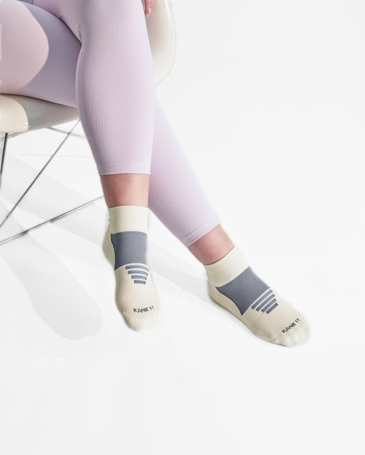 womens quarter sock in ivory with grey style