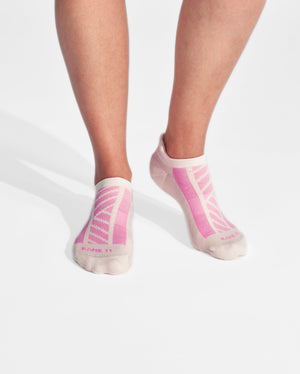 womens ankle sock in ivory with pink on feet