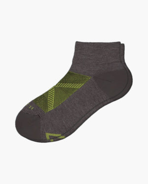 womens quarter sock in heather grey with lime laid flat