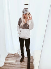 Load image into Gallery viewer, Two Toned Sherpa Pullover // Beauties