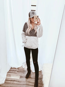 Two Toned Sherpa Pullover // Beauties