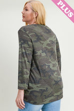 Load image into Gallery viewer, Camo long sleeve