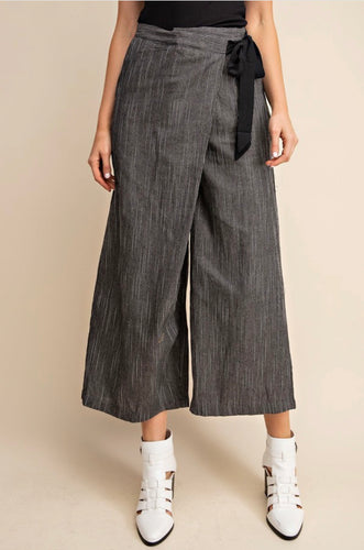 Highwaist Crop Pinstripe Pant