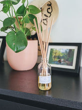 Load image into Gallery viewer, Spruce Tree Reed Diffuser (Holiday)