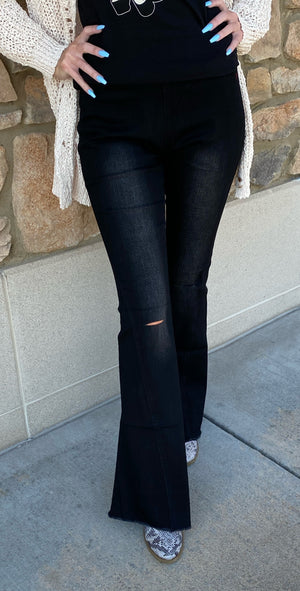 Bell Flare High Rise Pant in Black