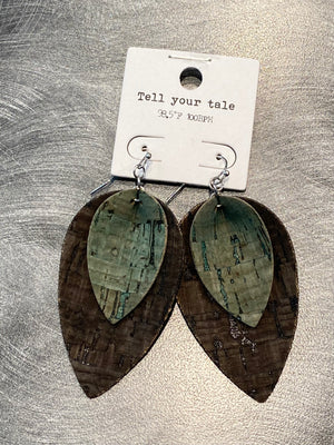 Leaf Leather Earring in Black