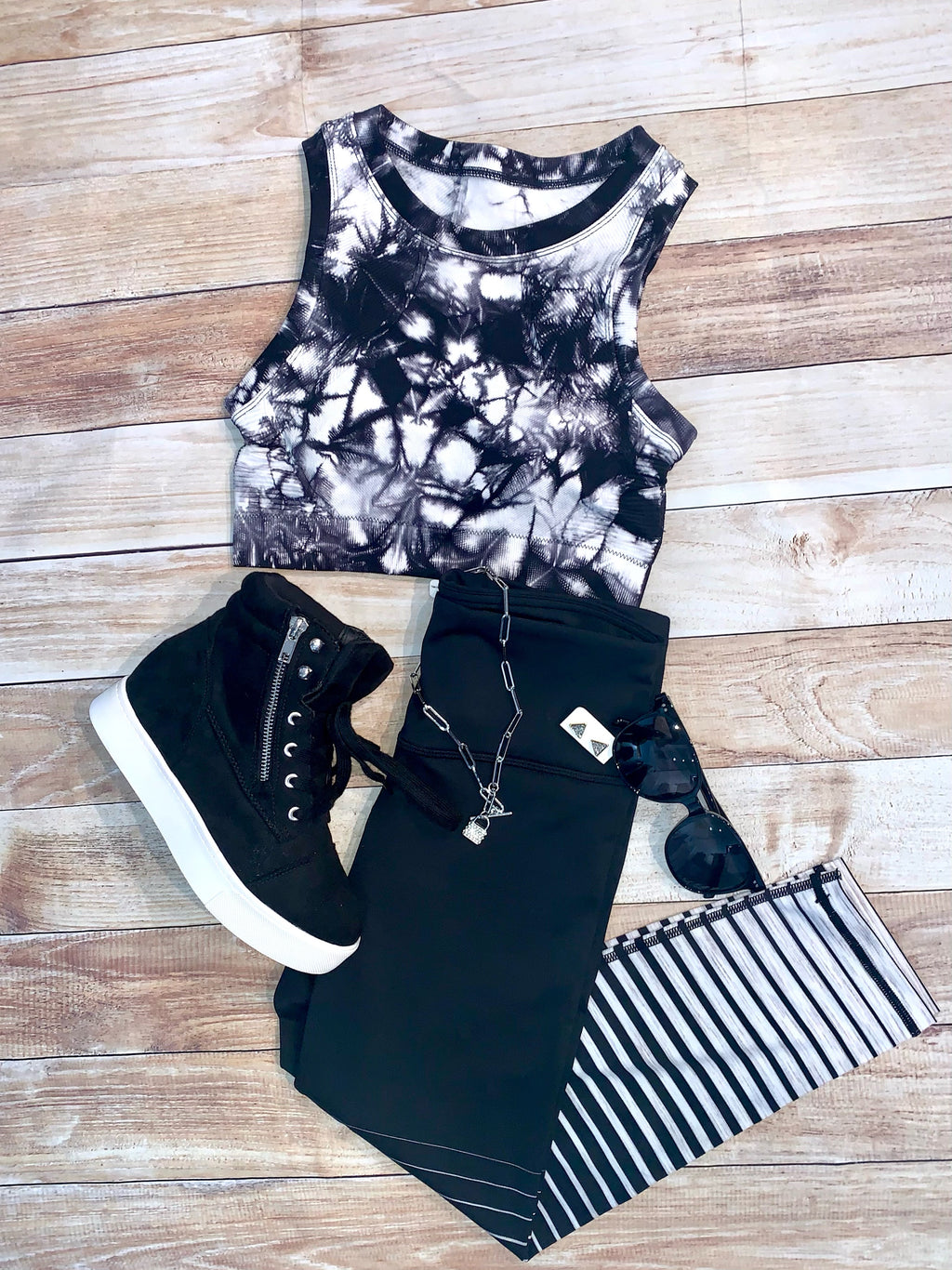 Crop Stipe Leggings in Black