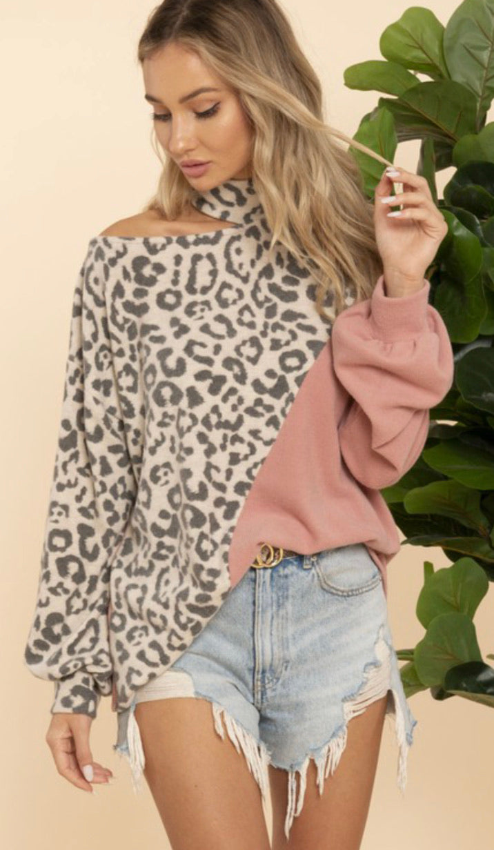 Leopard Cold Shoulder in Mauve