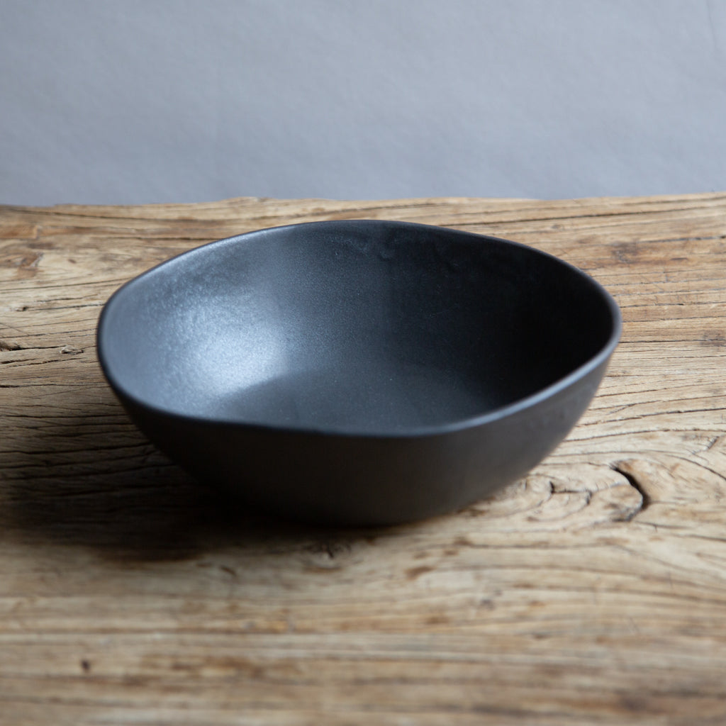 "Alex Marshall 8.5"" Round Bowl, Urban in Charcoal"