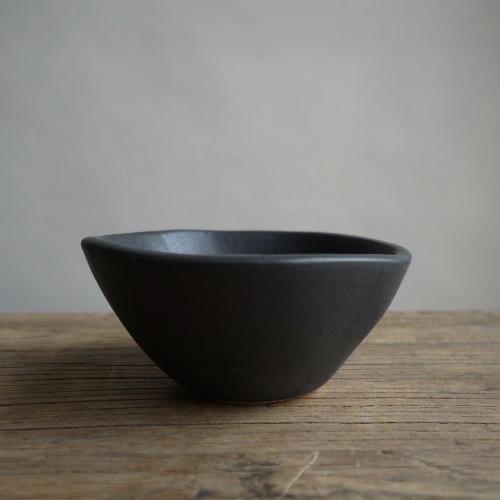 "Alex Marshall 4"" Small Round Bowl - Charcoal"