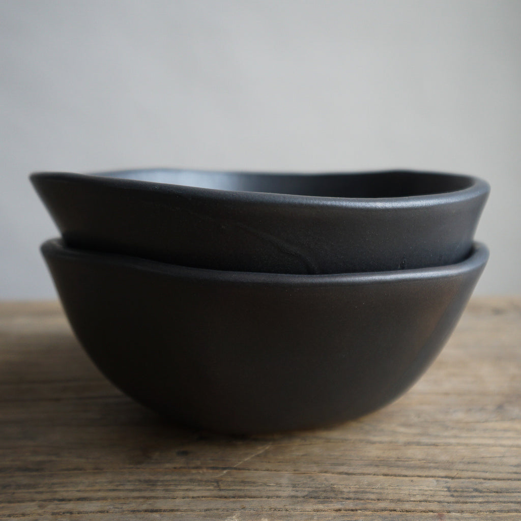 "Alex Marshall 7"" Medium Round Bowl - Charcoal"