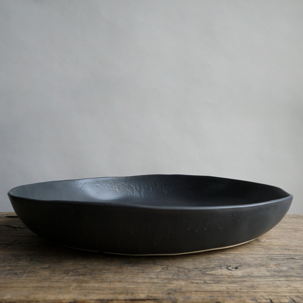 "Alex Marshall 18"" Low Bowl - Charcoal"
