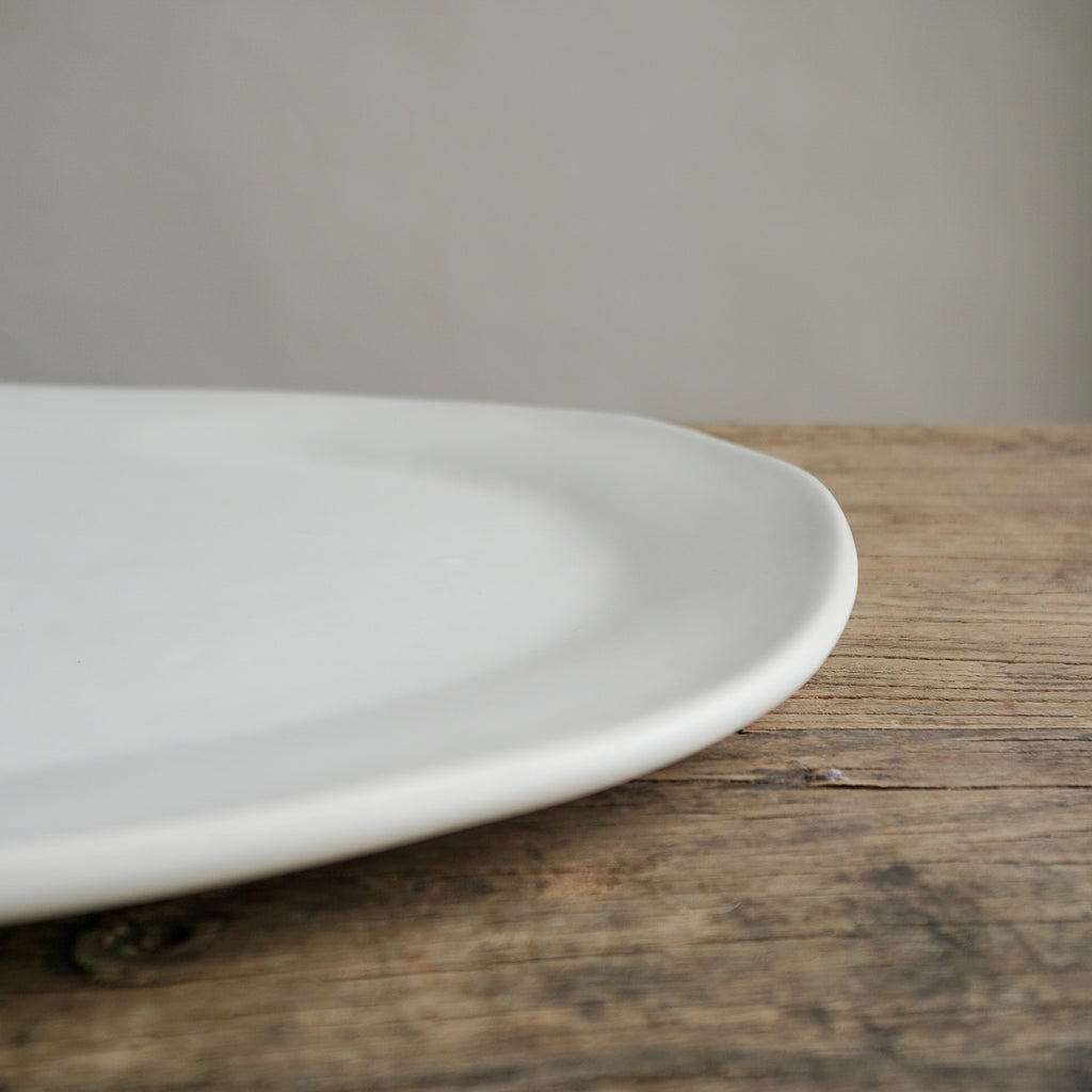 "Alex Marshall 19"" Large Oval Platter - Matte White"