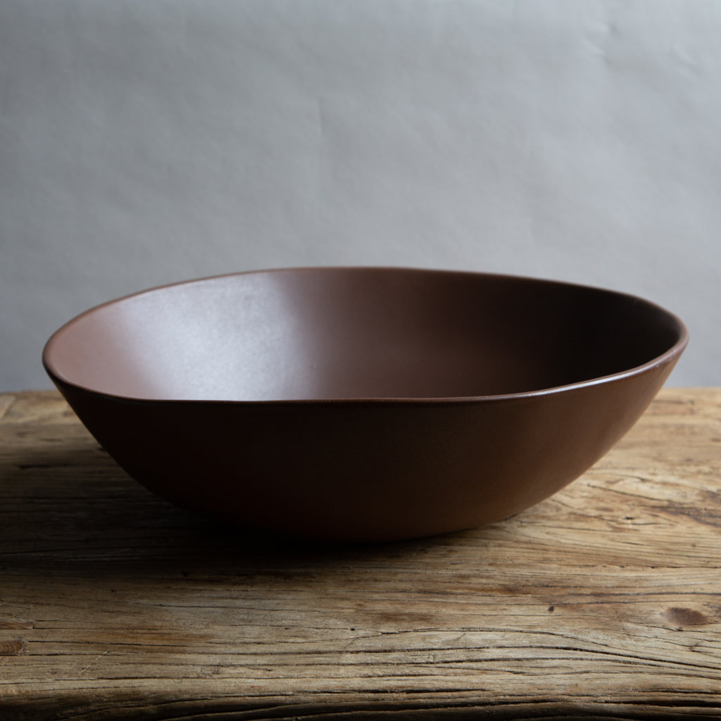 "Alex Marshall 17"" Round Bowl - Coffee"