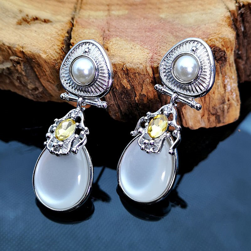 Moonstone Drop Earings