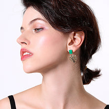 Load image into Gallery viewer, Leaf Green Resin Earrings
