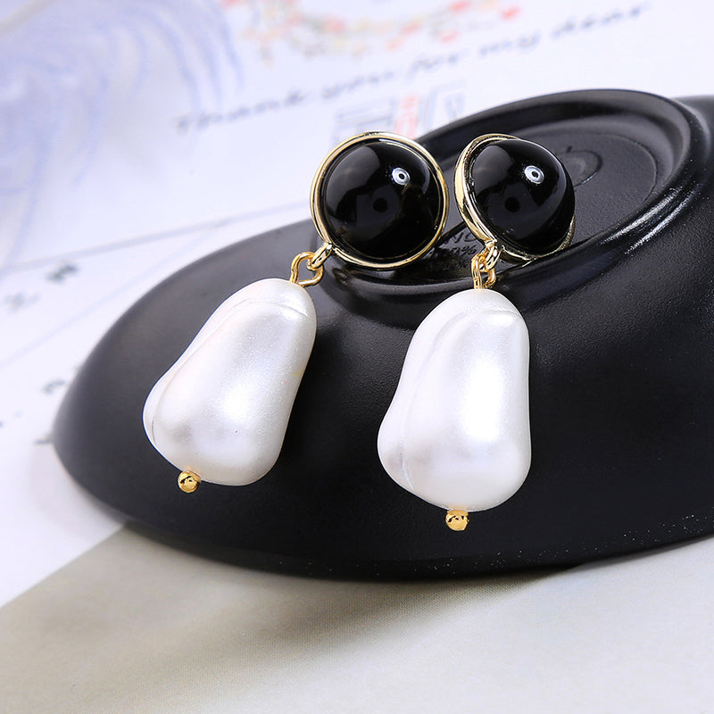 Irregular Acrylic Pearl Black Round Resin Drop Earrings