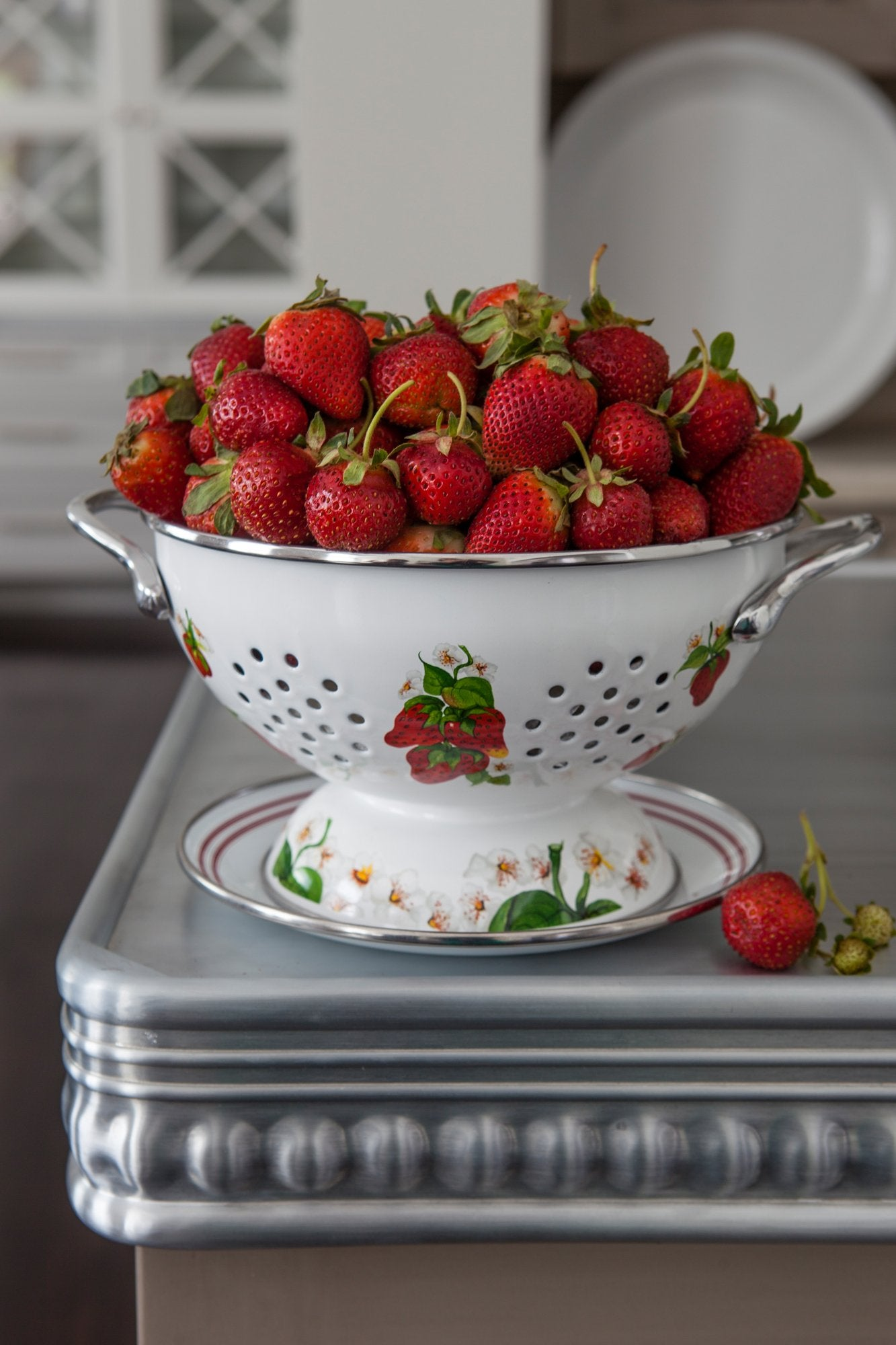 CH107 - Cherry Colander Set Lifestyle 1