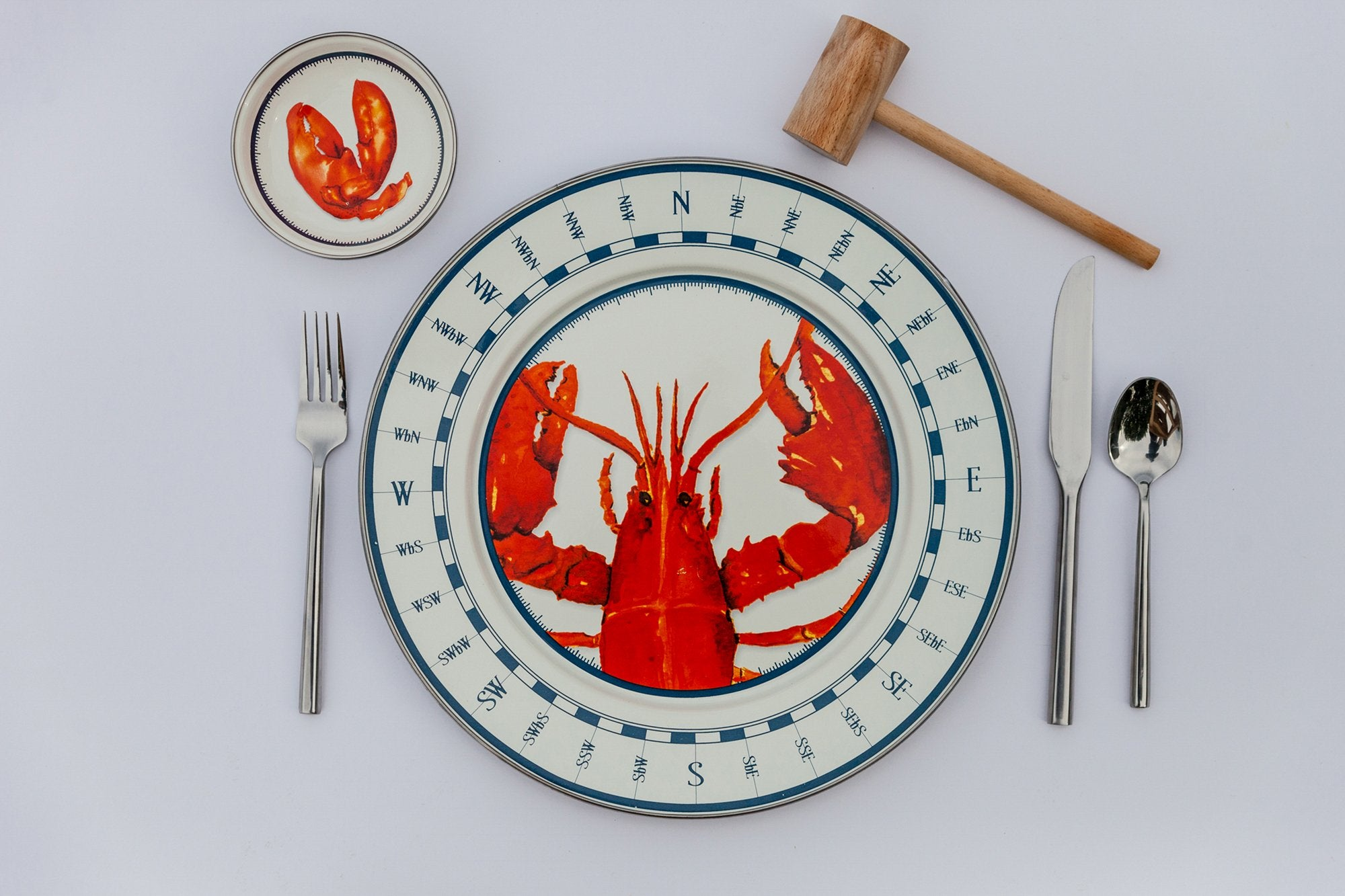 LS11S4 - Set of 1 Lobster Sandwich Plates Lifestyle 1