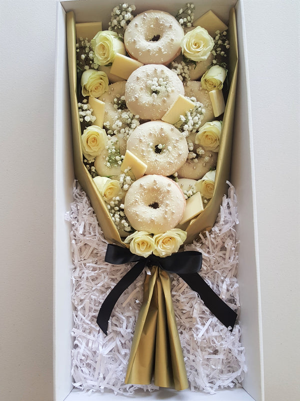 All White Donut Bouquet - Yummy Box