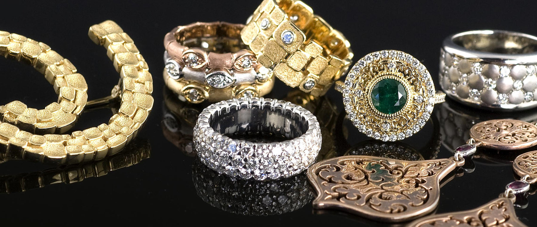 How to Buy Jewelry When You Have a Metal Allergy