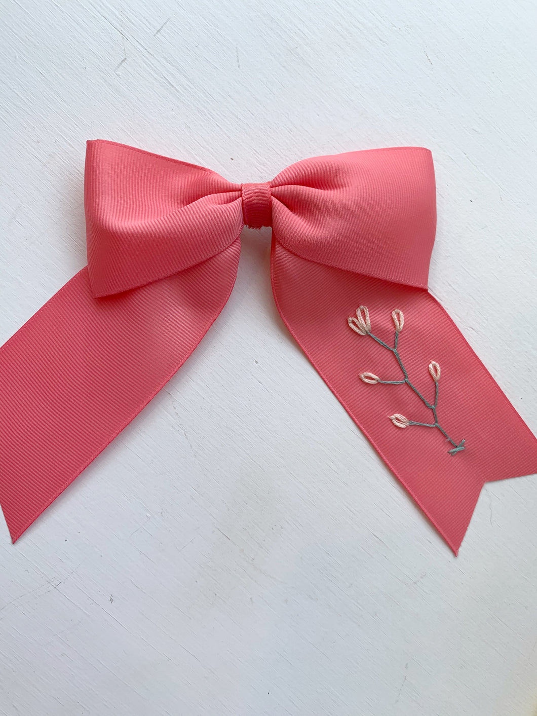 Hibiscus Linens long tail bow- pink