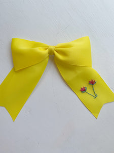 Hibiscus Linens long tail bow- yellow