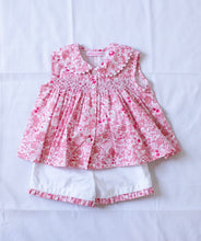 Load image into Gallery viewer, Sleeveless smocked top and short set