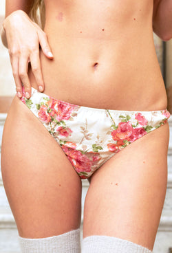Silvana brief autumn roses