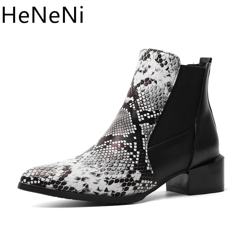 Fashion Snake print Women Chelsea Boots Woman Martin Boots Winter Short Ankle Booties Pointed Toe Thick Heels Botas mujer 34-44