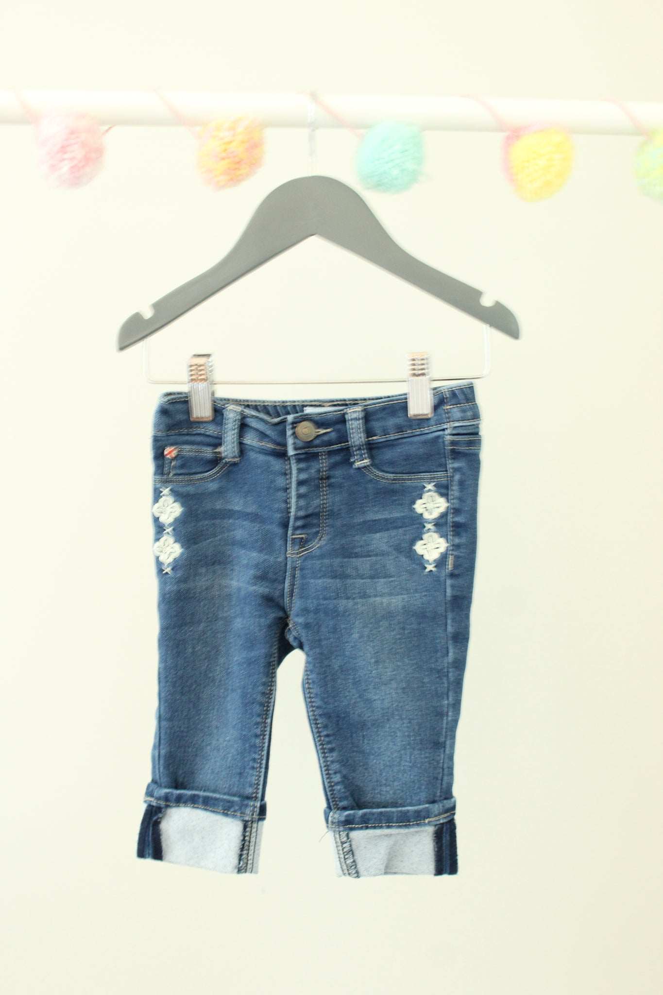 Hudson Cropped Roll-Up Jeans 24M