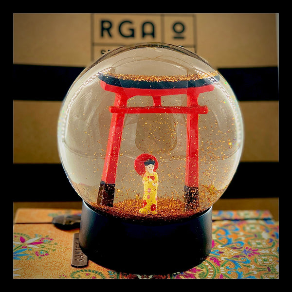JAPANESE GIRL SNOW GLOBE