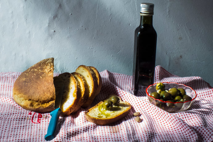 Olive oil & bread by Davide P