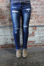 Load image into Gallery viewer, Denim Couture Classic Skinny Jeans Distressed Dark Blue