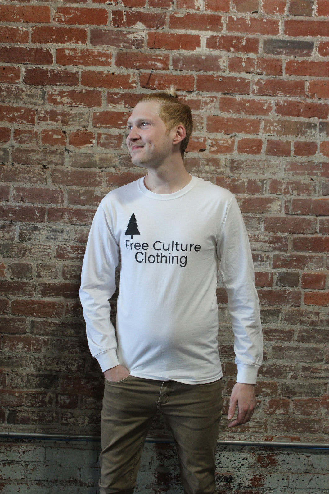 Free Culture Long Sleeve Black/White Logo