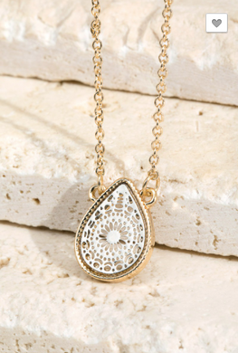 ITS Teardrop Pendant Necklace W/ Gold Stud's (2 Colors)