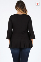Load image into Gallery viewer, Sweet Lindsey Plus Peasant Style Top W/ Bell Sleeves