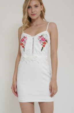 Dygarni California Dress W/ Floral Embroidery Design (Available in Navy OR Off-White, S-L)