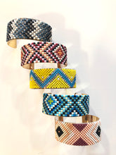 Load image into Gallery viewer, Tribal Beaded Bracelet