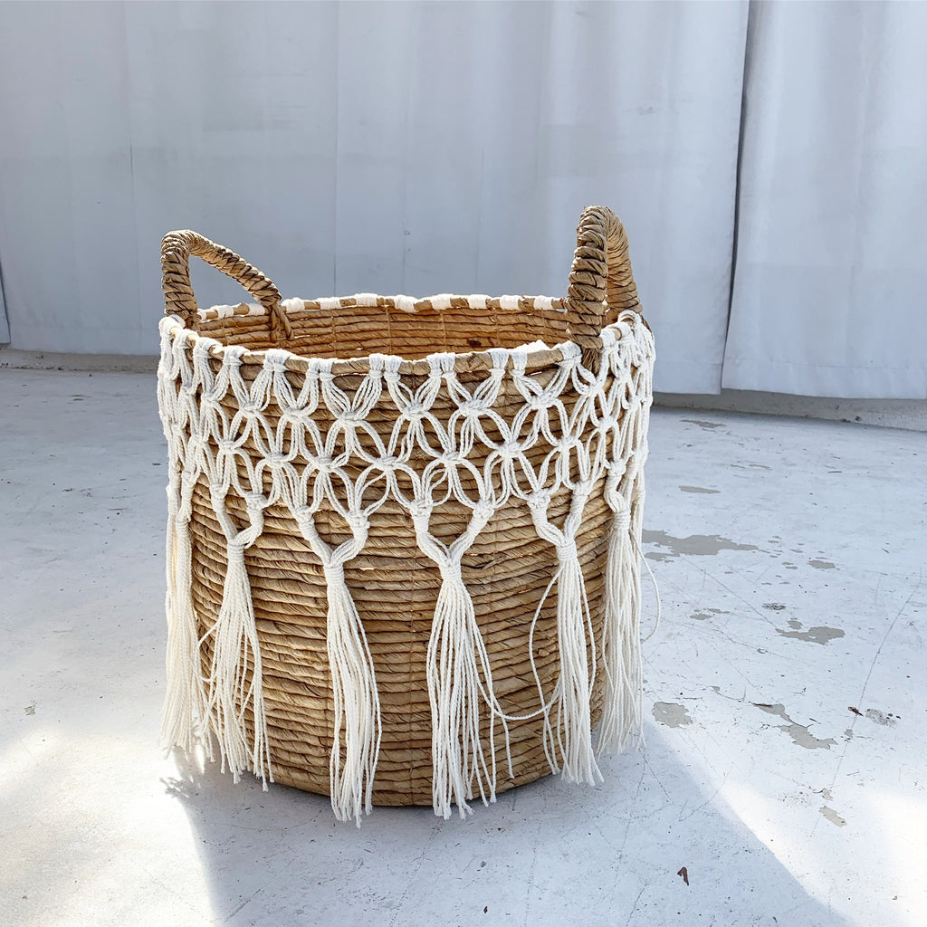 Light Banana Bark w/ Macrame Basket - LG