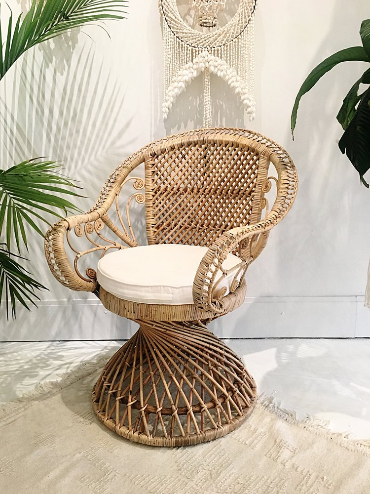 Flamingo Rattan Peacock Chair