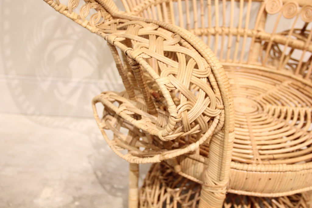 Classic Peacock Chair- Natural