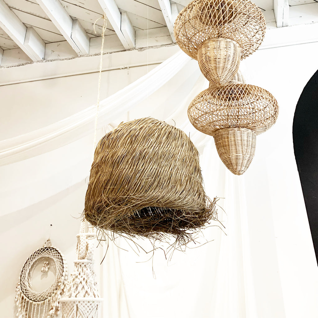 Beautiful Organic Natural Seagrass Pendant Light Lamp