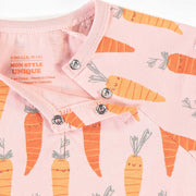 Pyjama une-pièce rose à motifs de carottes, bébé fille || Pink One-Piece Pajamas with carrots Patterns, baby girl
