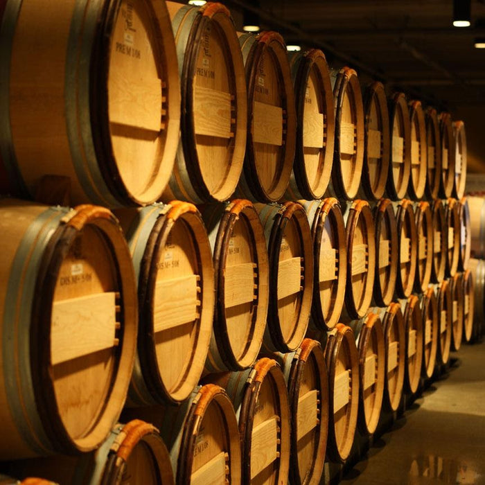 Oak Barrels and Oak Alternatives in Home Winemaking