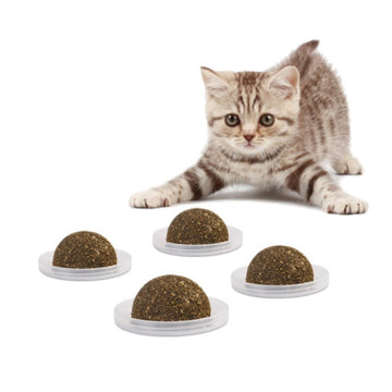 2018 New Pet Cat Natural Catnip Treat Ball Favor Home Chasing Toys Healthy Safe Edible Treating