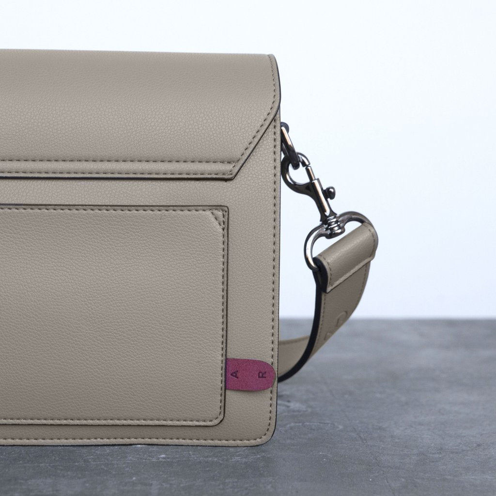 Hamilton Shoulder Bag with Signet in French Beige