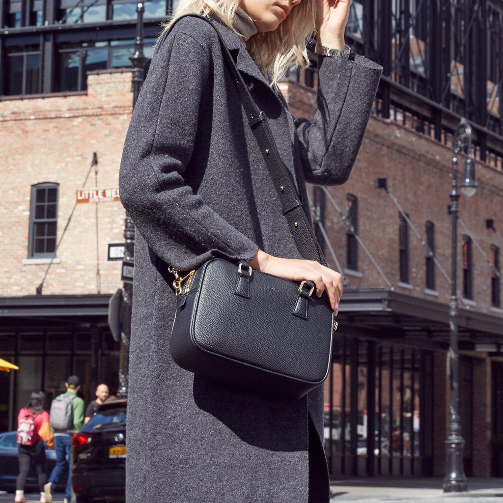 Barton Duffle Tote with Signet in Black